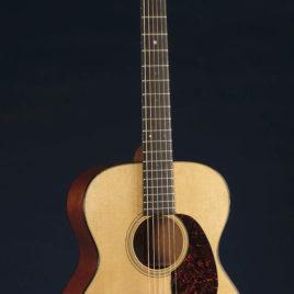 Martin 00-18V—New